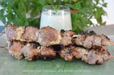 Brochettes d'agneau aux épices indiennes et son lassi de concombre