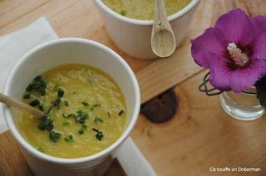 Soupe de courgette jaune au cumin