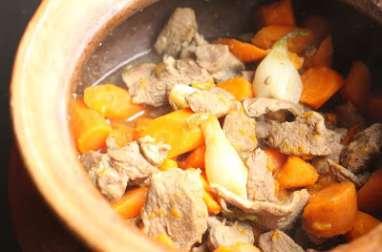 Agneau mijoté aux carottes, en pot de terre
