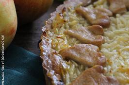 Tarte à la compote d'abricots et pommes râpées