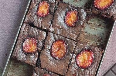 Brownie aux prunes rôties