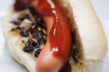 Hot dog au gorgonzola et au Roquefort