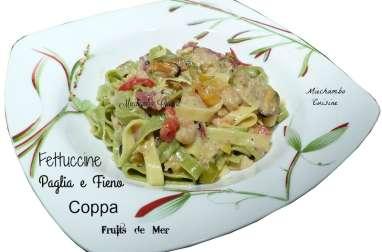 Fettuccine «paglia e fieno» aux fruits de mer et coppa