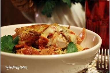 Filets de poulet en papillote , tomate et mozza