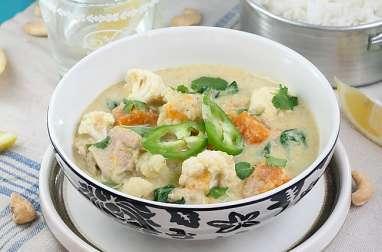 Curry de légumes et poulet à la noix de coco et à la coriandre