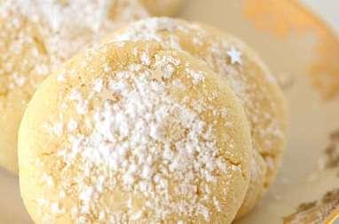 Kourabiedes petits biscuits de Noël grec