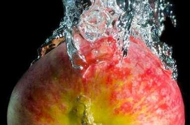 Boisson detox, eau de pomme, cannelle, citron