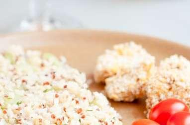 Poulet pané, salade quinoa – concombre & sauce légère