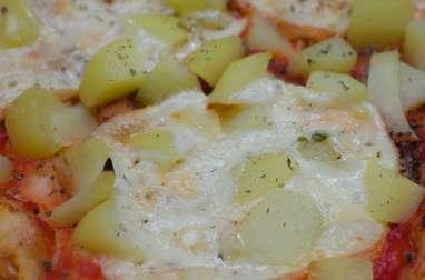 Pizza à la raclette et aux pommes de terre