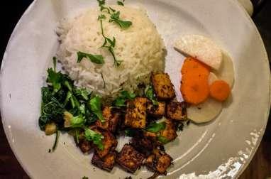 Tofu à la citronelle à la vietnamienne