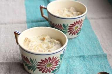 Soupe bretonne au lait et aux oignons