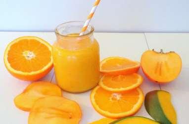 Smoothie orange, kaki et mangue