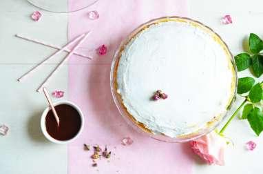 Gâteau de crêpes coco-fraise-rose