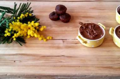 Mousse chocolat au lait et éclats de caramel