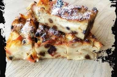 Gâteau de pain aux raisins-pommes et rhum