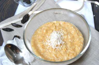 Porridge à la noix de coco et fève tonka