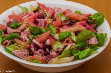 Salade de pâtes, betterave et jambonneau
