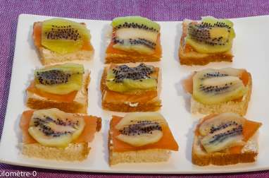 Toast kiwi truite fumée