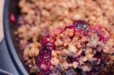 Crumble aux fruits rouges poêlé