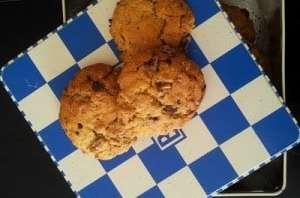 Biscuits miel avoine noix chocolat