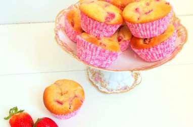 Muffins aux fraises et à la rose