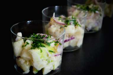 Salade alsacienne de harengs aux deux pommes