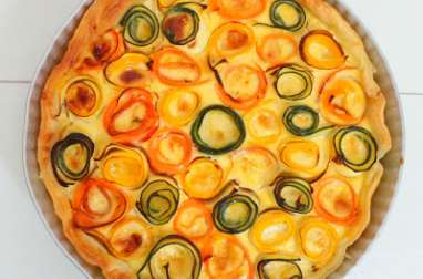 Tarte rose de légumes à la moutarde et au vieux cheddar