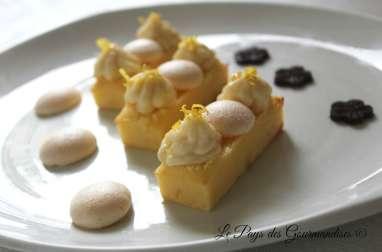 Moelleux au citron, crème pâtissière à la fleur d'oranger et mini-meringues