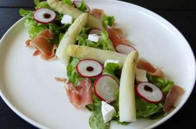 Salade d'asperges, jambon cru et chèvre frais