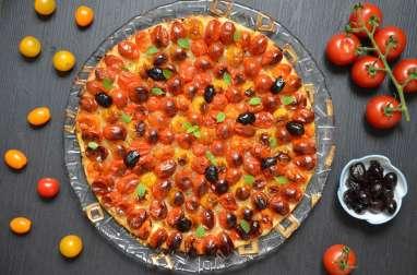 Pizza aux tomates cerise olives origan frais