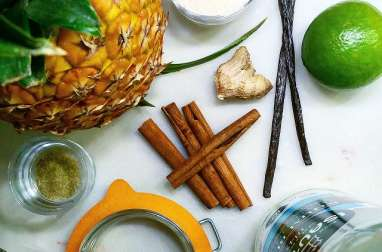 Rhum arrangé à l'ananas et aux épices