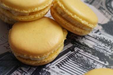 Macarons citron et vanille