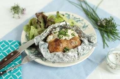 Baked potatoes et crème aux herbes