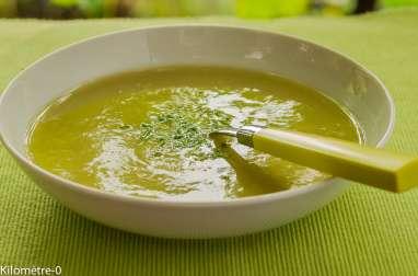 Soupe d'asperges vertes au chou fleur