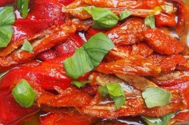 Poivrons grillés et tomates séchées marinés à l'huile d'olive