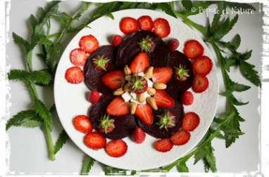 Carpaccio de betteraves aux fraises, à la feta et au vinaigre de fraises maison