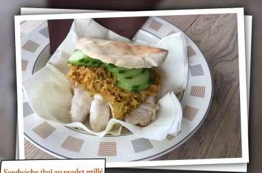Sandwich thaï au poulet grillé