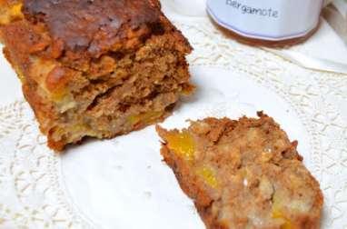 Cake aux pêches, sarrasin et bergamote