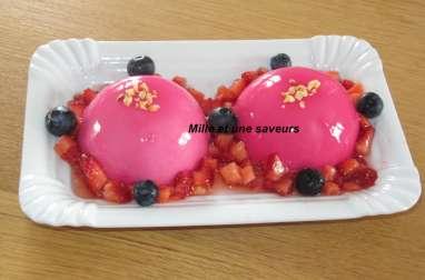 Dôme mousse de fraise et son insert rhubarbe