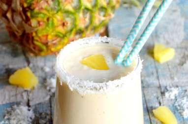 Smoothie tropical ananas et noix de coco