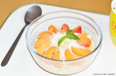 Bol d'énergie porridge abricot et noix de coco