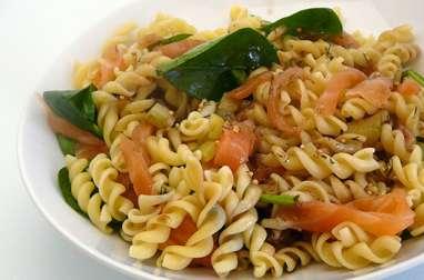Salade de pâtes saumon épinards