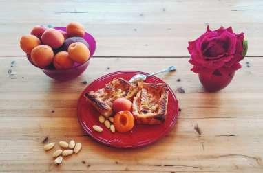 Tarte moelleuse et croquante aux fruits d'été