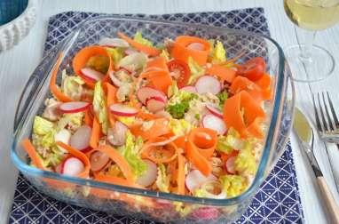 Salade de céréales saumon crudités frais et croquants