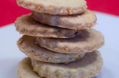 Crackers à l'emmental, au thym et au romarin