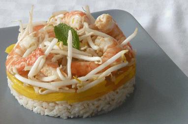 Salade de riz, mangue et crevettes