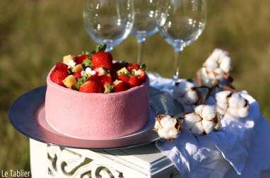 """Charlotte aux fraises façon """"J'adore la fraise"""" de Claire Damon"""