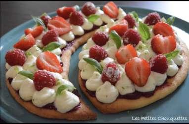 Tarte citron vert, fraises, framboises et basilic