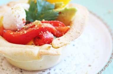 Salade mangue et poivron rouge dans sa coupelle à croquer