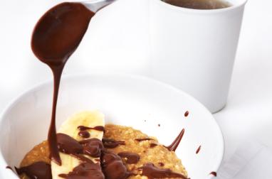 Porridge vanille au lait de soja, banane et chocolat